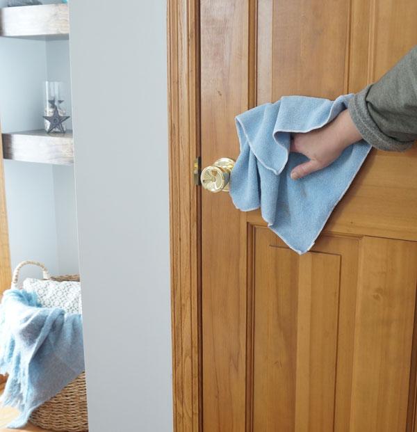 почистване на интериорни врати