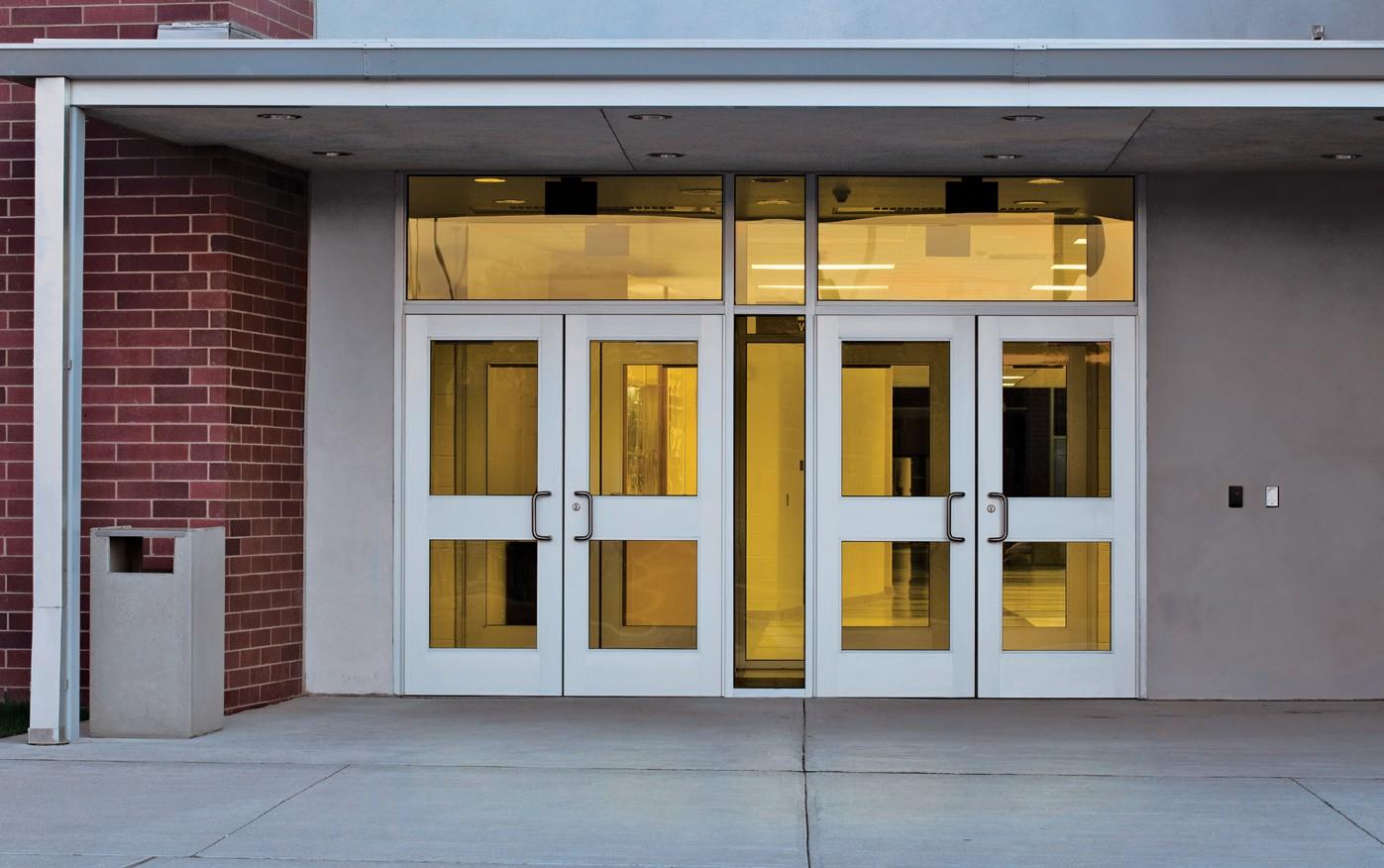 Входни врати на сгради