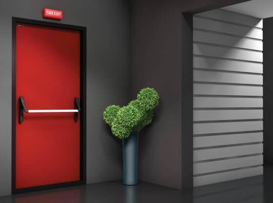Избор на пожароустойчива врата вместо блиндирана врата за дома